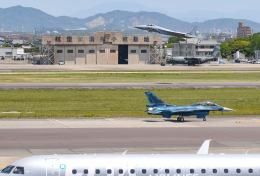 tamtam3839さんが、名古屋飛行場で撮影した航空自衛隊 F-2Bの航空フォト(飛行機 写真・画像)