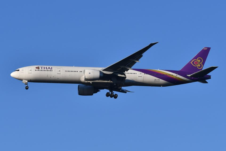 Deepさんのタイ国際航空 Boeing 777-300 (HS-TKX) 航空フォト