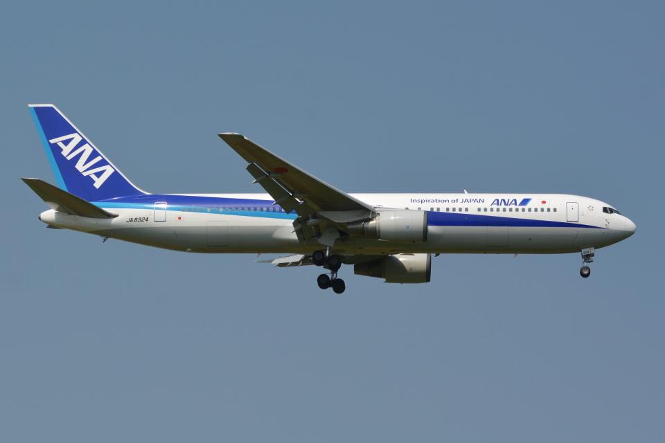 Deepさんの全日空 Boeing 767-300 (JA8324) 航空フォト