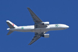 スカルショットさんが、伊丹空港で撮影した日本航空 777-246の航空フォト(飛行機 写真・画像)