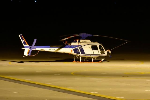 E-75さんが、函館空港で撮影した中日本航空 AS350B3 Ecureuilの航空フォト(飛行機 写真・画像)