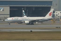 磐城さんが、香港国際空港で撮影した中国国際航空 777-2J6の航空フォト(飛行機 写真・画像)