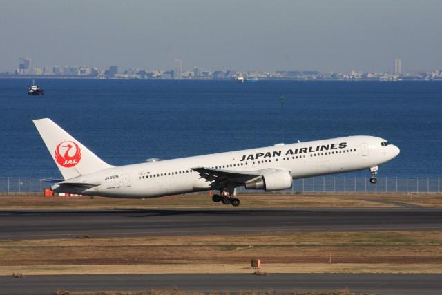 wunalaさんが、羽田空港で撮影した日本航空 767-346の航空フォト(飛行機 写真・画像)