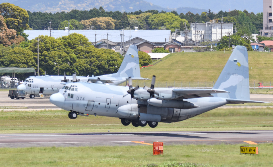 tamtam3839さんの航空自衛隊 Lockheed C-130 Hercules (45-1074) 航空フォト