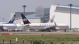 raichanさんが、成田国際空港で撮影したカーゴジェット・エアウェイズ 767-323/ERの航空フォト(飛行機 写真・画像)