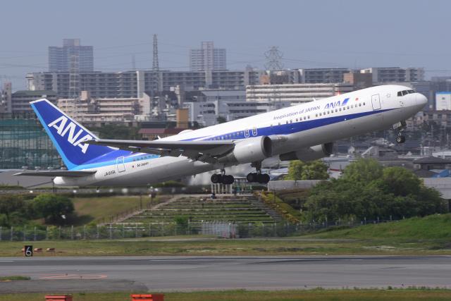 TOPAZ102さんが、伊丹空港で撮影した全日空 767-381/ERの航空フォト(飛行機 写真・画像)