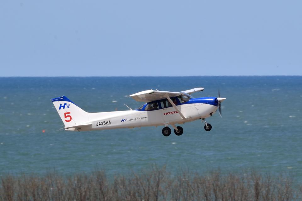 TAKAHIDEさんの本田航空 Cessna 172 (JA35HA) 航空フォト