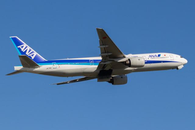 Yukio a.k.a Yu Worksさんが、福岡空港で撮影した全日空 777-281の航空フォト(飛行機 写真・画像)