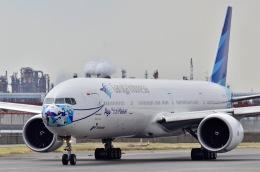 ウィングはくつるさんが、羽田空港で撮影したガルーダ・インドネシア航空 777-3U3/ERの航空フォト(飛行機 写真・画像)