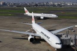 航空フォト:JA8945 日本航空 777-300
