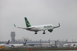JA1118Dさんが、成田国際空港で撮影したアジア・パシフィック・エアラインズ 757-230(PCF)の航空フォト(飛行機 写真・画像)