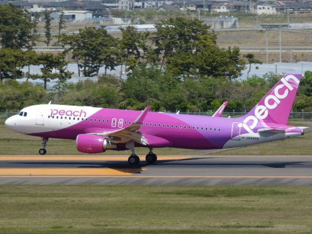 宮城の航空ファンさんが、仙台空港で撮影したピーチ A320-214の航空フォト(飛行機 写真・画像)