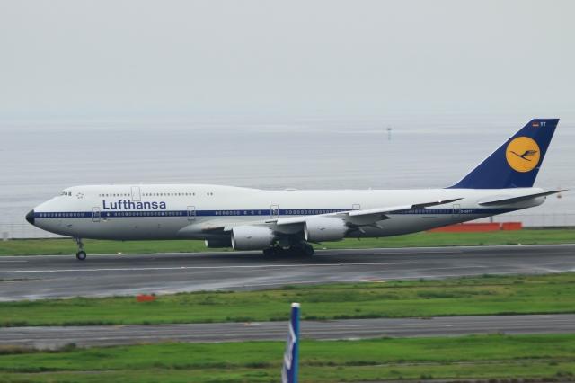 Hiro-hiroさんが、羽田空港で撮影したルフトハンザドイツ航空 747-830の航空フォト(飛行機 写真・画像)