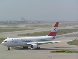 hachiさんが、関西国際空港で撮影したオーストリア航空 A330-223の航空フォト(飛行機 写真・画像)