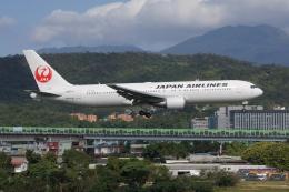 磐城さんが、台北松山空港で撮影した日本航空 767-346/ERの航空フォト(飛行機 写真・画像)