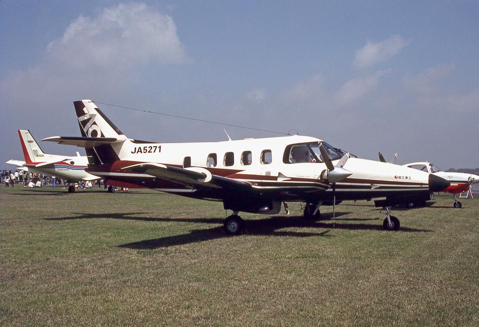 JAパイロットさんの富士重工業 Fuji FA-300 (JA5271) 航空フォト