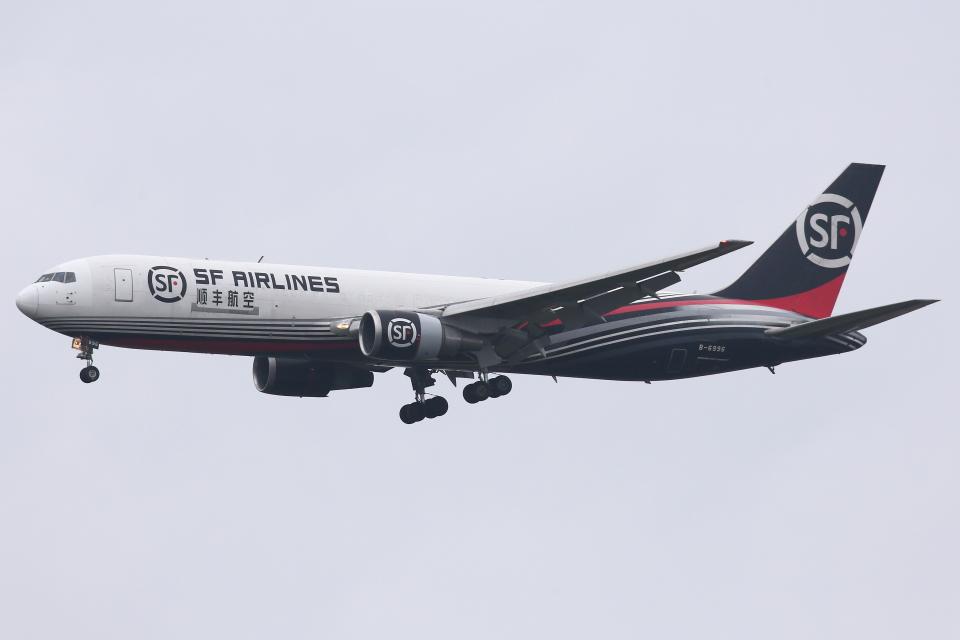kinsanさんのSF エアラインズ Boeing 767-300 (B-6996) 航空フォト