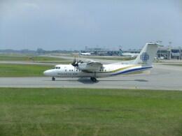 twinengineさんが、シンガポール・チャンギ国際空港で撮影したベルジャヤ・エア DHC-8-300の航空フォト(飛行機 写真・画像)