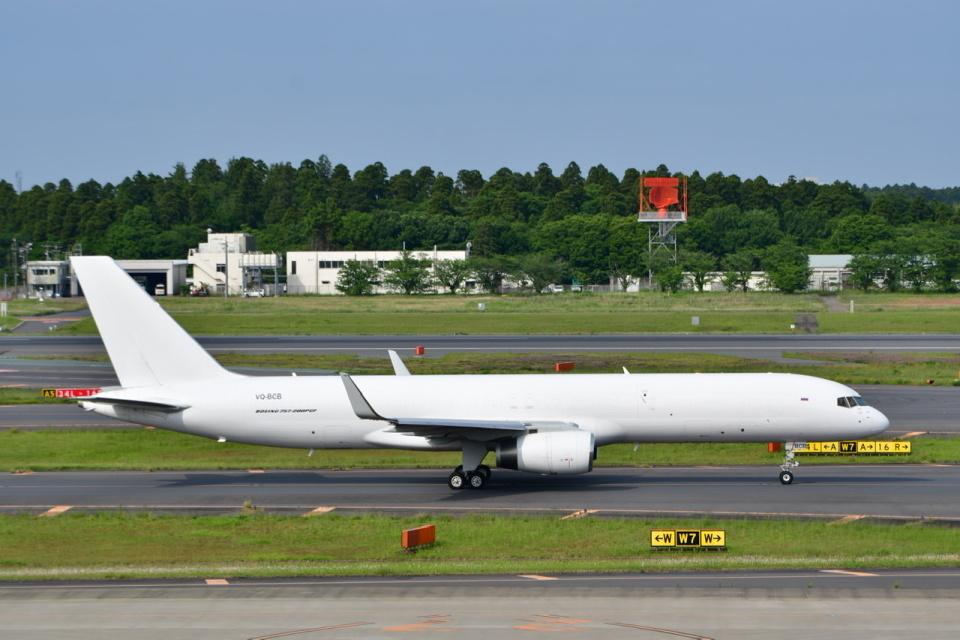 チョロ太さんのアビアスター Boeing 757-200 (VQ-BCB) 航空フォト