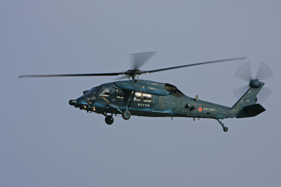 tsubameさんの航空自衛隊 Mitsubishi UH-60J (88-4587) 航空フォト