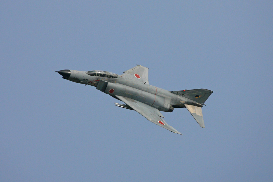 tsubameさんの航空自衛隊 Mitsubishi F-4EJ Kai Phantom II (97-8427) 航空フォト