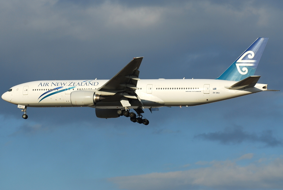 jun☆さんのニュージーランド航空 Boeing 777-200 (ZK-OKA) 航空フォト
