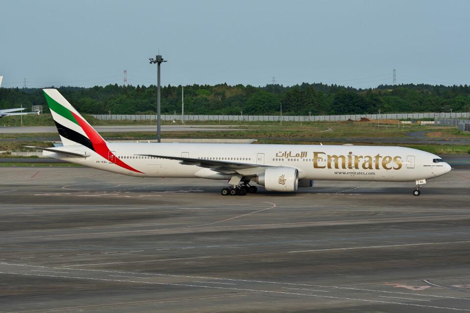 @たかひろさんのエミレーツ航空 Boeing 777-300 (A6-EQL) 航空フォト