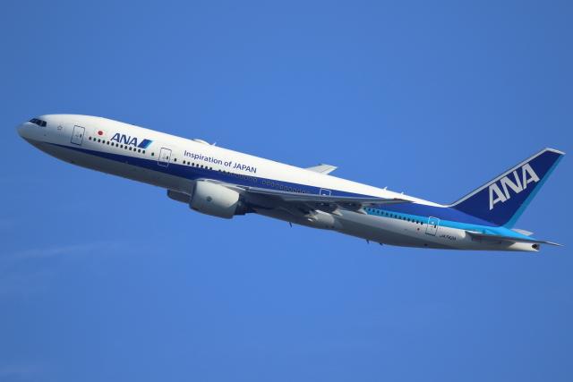 kaz787さんが、伊丹空港で撮影した全日空 777-281/ERの航空フォト(飛行機 写真・画像)