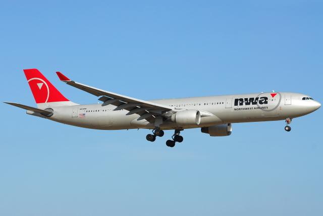jun☆さんが、成田国際空港で撮影したノースウエスト航空 A330-323Xの航空フォト(飛行機 写真・画像)