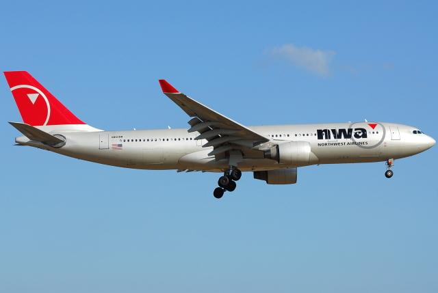 jun☆さんが、成田国際空港で撮影したノースウエスト航空 A330-223の航空フォト(飛行機 写真・画像)
