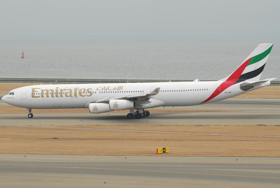 jun☆さんのエミレーツ航空 Airbus A340-300 (A6-ERM) 航空フォト