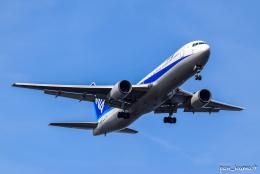 ぱん_くまさんが、羽田空港で撮影した全日空 767-381の航空フォト(飛行機 写真・画像)