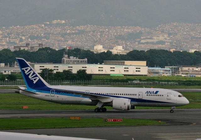 TA27さんが、伊丹空港で撮影したボーイング 787-8 Dreamlinerの航空フォト(飛行機 写真・画像)