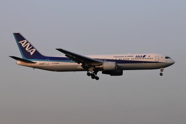 kan787allさんが、福岡空港で撮影した全日空 767-381/ERの航空フォト(飛行機 写真・画像)