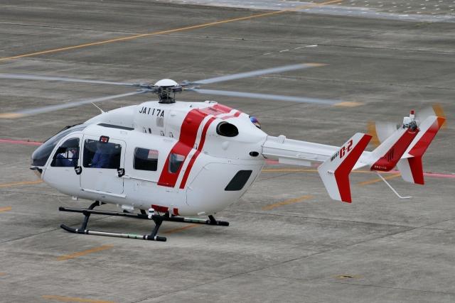 TA27さんが、名古屋飛行場で撮影した川崎重工業 BK117C-2の航空フォト(飛行機 写真・画像)