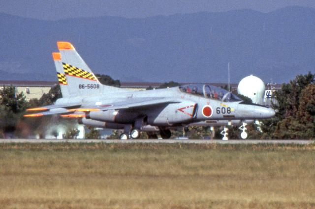 apphgさんが、浜松基地で撮影した航空自衛隊 T-4の航空フォト(飛行機 写真・画像)