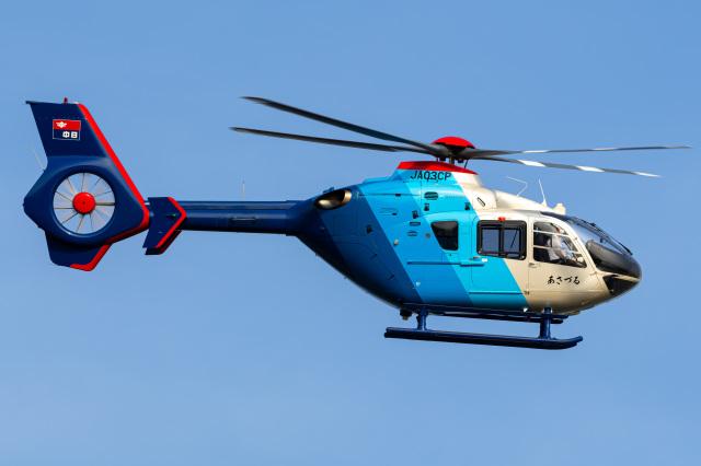 さんごーさんが、東京ヘリポートで撮影した中日新聞社 EC135P2の航空フォト(飛行機 写真・画像)