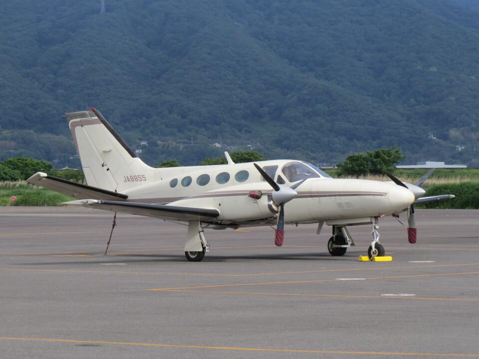 F.YUKIHIDEさんの日本法人所有 Cessna 425 (JA8855) 航空フォト