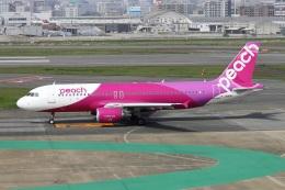 kan787allさんが、福岡空港で撮影したピーチ A320-214の航空フォト(飛行機 写真・画像)
