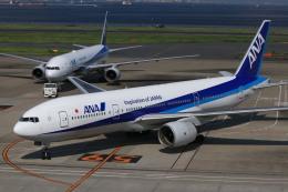 mahiちゃんさんが、羽田空港で撮影した全日空 777-281の航空フォト(飛行機 写真・画像)