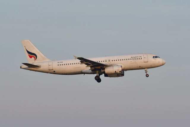 ポン太さんが、スワンナプーム国際空港で撮影したバンコクエアウェイズ A320-232の航空フォト(飛行機 写真・画像)