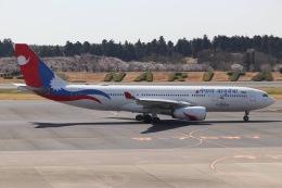 ヨッシューさんが、成田国際空港で撮影したネパール航空 A330-243の航空フォト(飛行機 写真・画像)