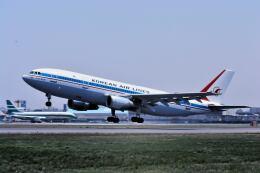 パール大山さんが、伊丹空港で撮影した大韓航空 A300B4-103の航空フォト(飛行機 写真・画像)