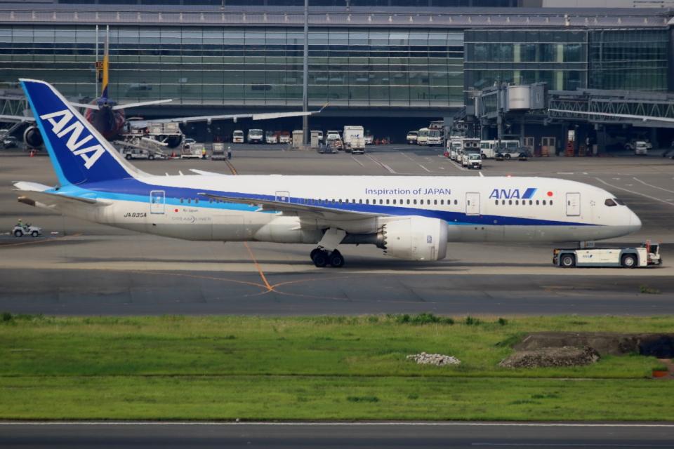 ▲®さんの全日空 Boeing 787-8 Dreamliner (JA835A) 航空フォト