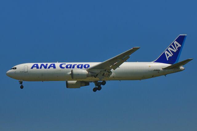 シグナス021さんが、成田国際空港で撮影した全日空 767-381/ER(BCF)の航空フォト(飛行機 写真・画像)