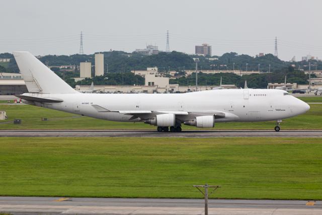 (新)ふぁんとむ改さんが、嘉手納飛行場で撮影したアトラス航空 747-45E(BDSF)の航空フォト(飛行機 写真・画像)