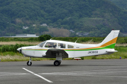 Gambardierさんが、岡南飛行場で撮影した日本個人所有 PA-28-161 Warrior IIの航空フォト(飛行機 写真・画像)