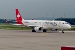 TA27さんが、チューリッヒ空港で撮影したヘルベティック・エアウェイズ ERJ-190-100 LR (ERJ-190LR)の航空フォト(飛行機 写真・画像)