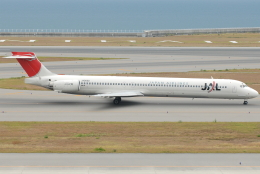 jun☆さんが、中部国際空港で撮影した日本航空 MD-90-30の航空フォト(飛行機 写真・画像)