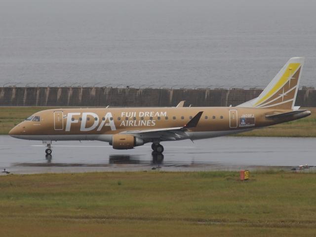 神戸空港 - Kobe Airport [UKB/RJBE]で撮影された神戸空港 - Kobe Airport [UKB/RJBE]の航空機写真(フォト・画像)